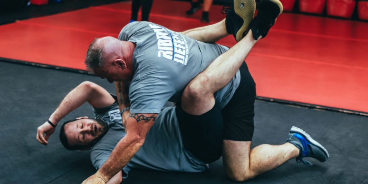 KRAV MAGA TRAINING • That's why the Street is different from your Dojo