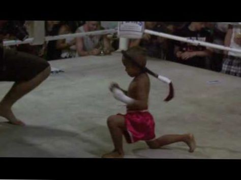 5-year-old future Muay Thai Fighter (Team) demonstrates The Wai Kru @ Tiger Muay Thai