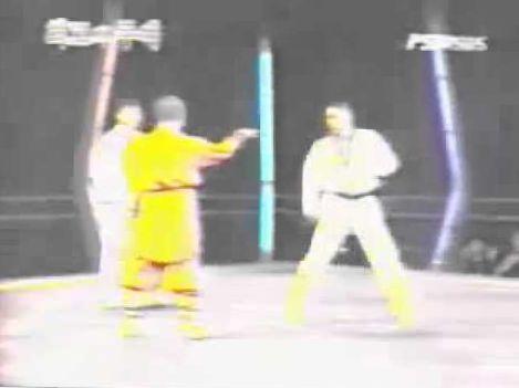 Very rare fight shaolin kung fu vs. Korean tae kwon do