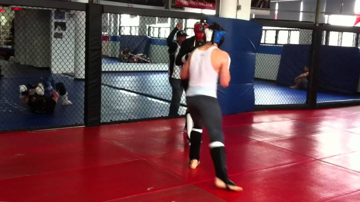 Rory Macdonald(170) and Mike Ricci(155) MMA sparring