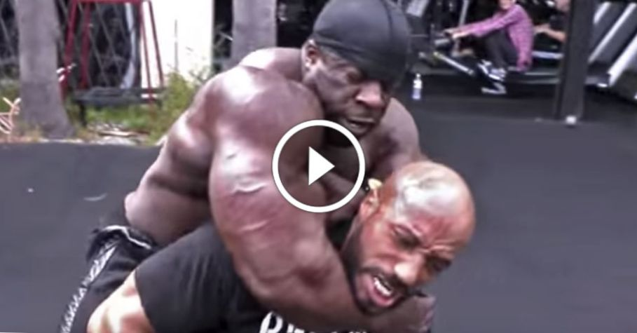Kali Muscle CHOKE OUT MMA FIGHTER