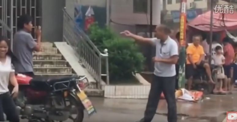 Street fight in China – kung fu